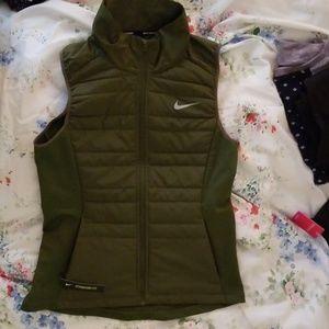 Nike running vest, nwt sizeS